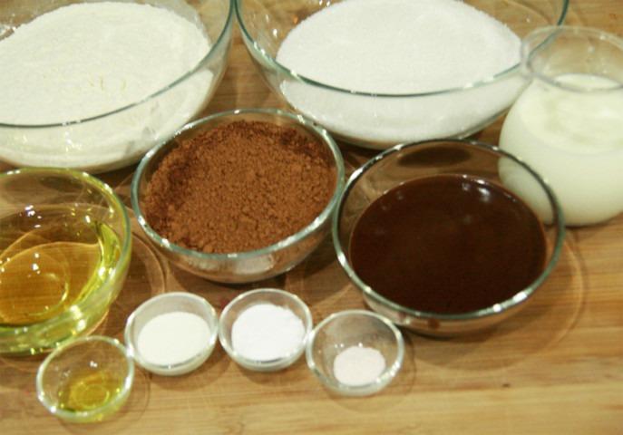czekoladowy kinder tort