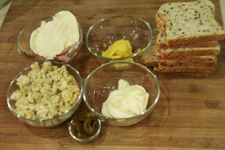mac-and-cheese-majonez-jalapeno-bekon-maslo-ser-chleb-tostowy