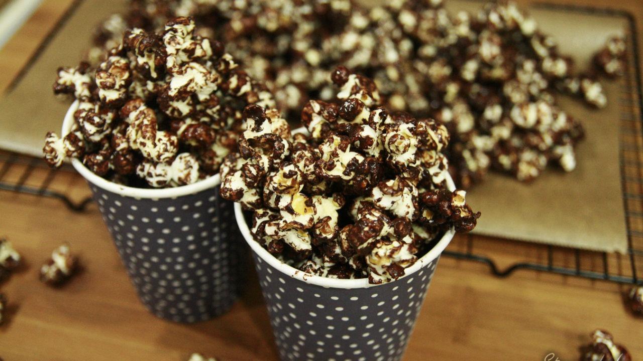 https://www.stonerchef.pl/wp-content/uploads/2016/08/gotowy-popcorn-z-czekolada-1280x720.jpg
