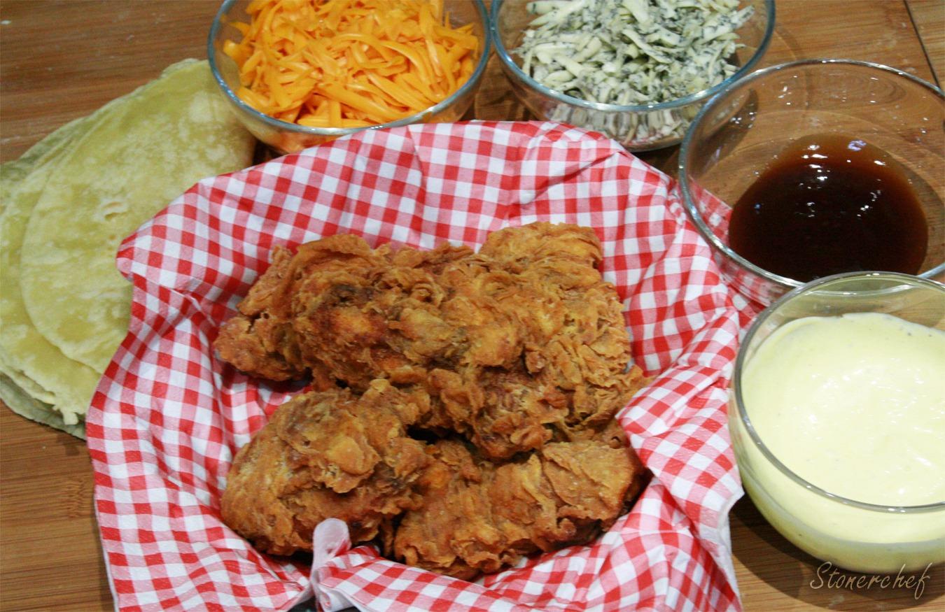 quesadilla na dwa sery z kurczakiem
