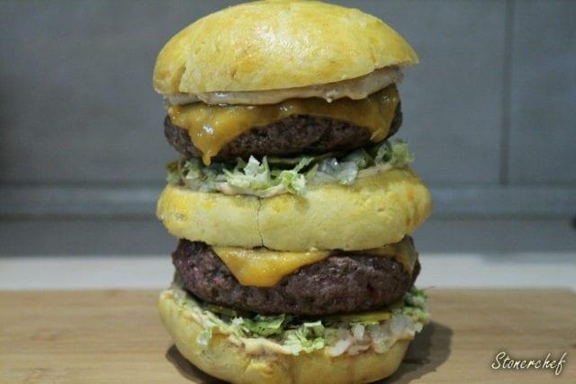 piętrowy burger z sosem do big maca