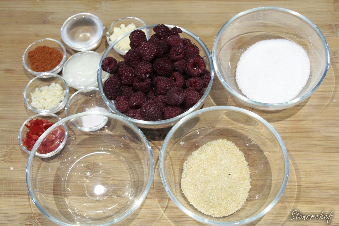 składniki na sos malinowy z chilli i czosnkiem