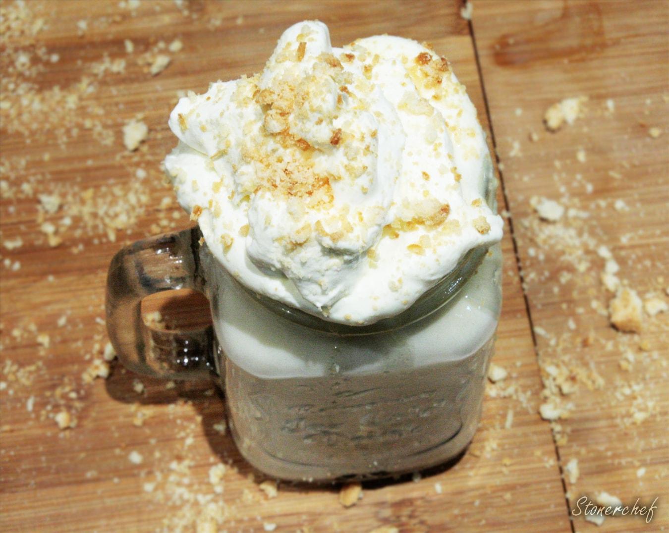ciasteczkowa gorąca biała czekolada