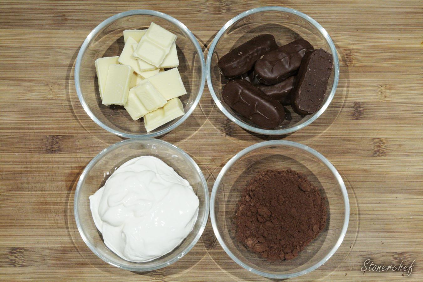 składniki do wykończenia sernika