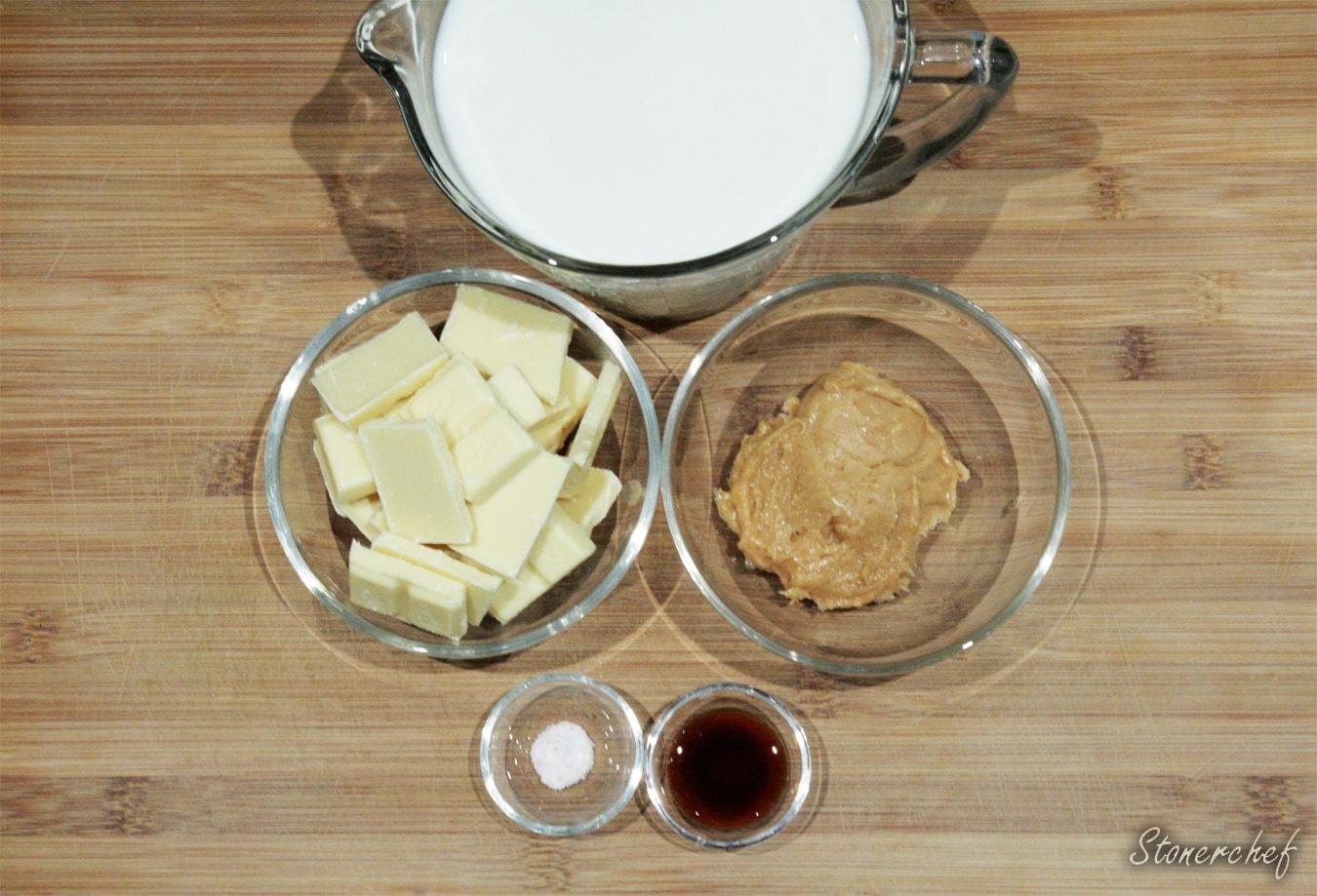 składniki na ciasteczkową gorącą białą czekoladę