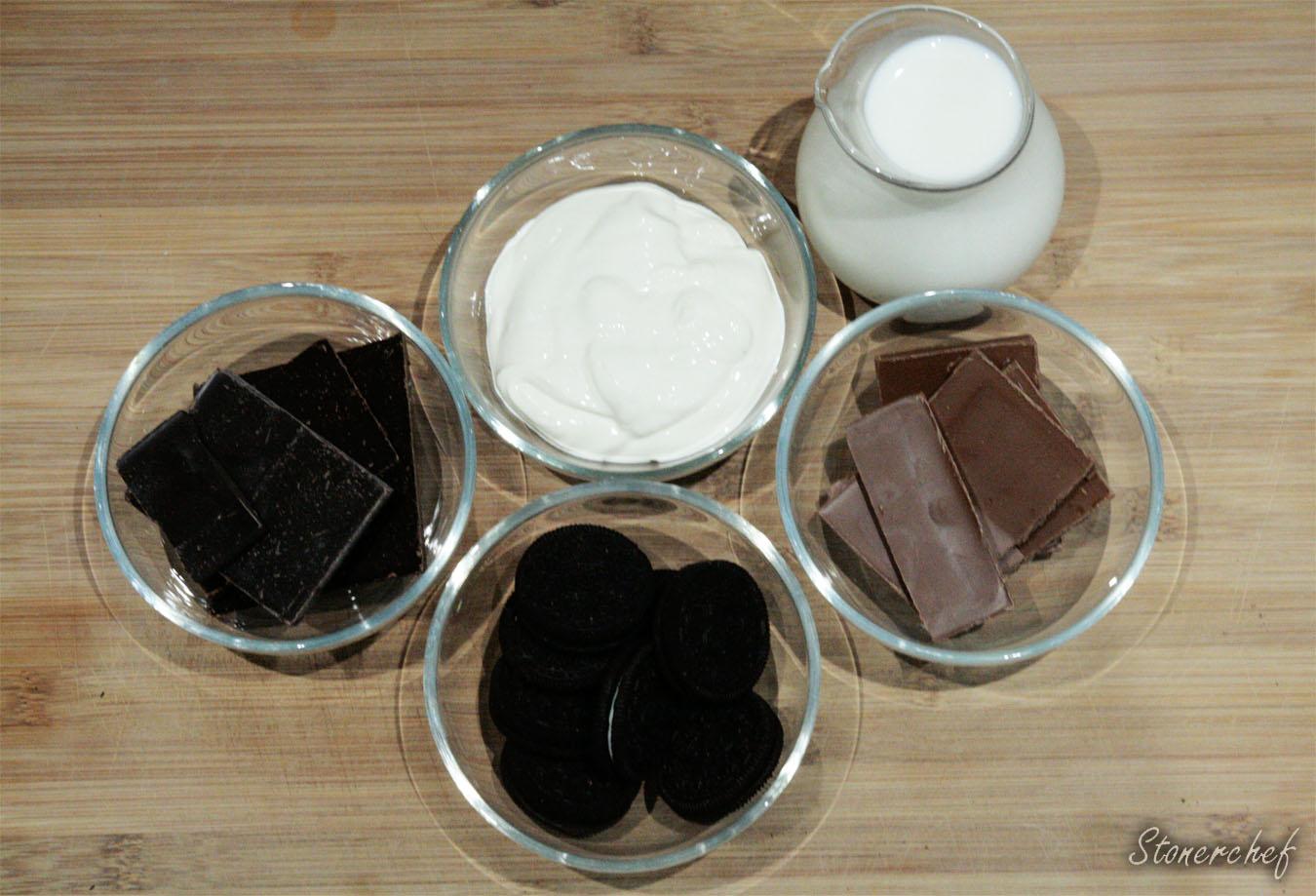składniki na gorącą czekoladę z Oreo