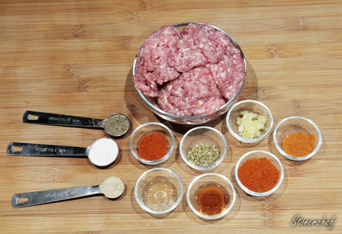 składniki na wieprz-burgery
