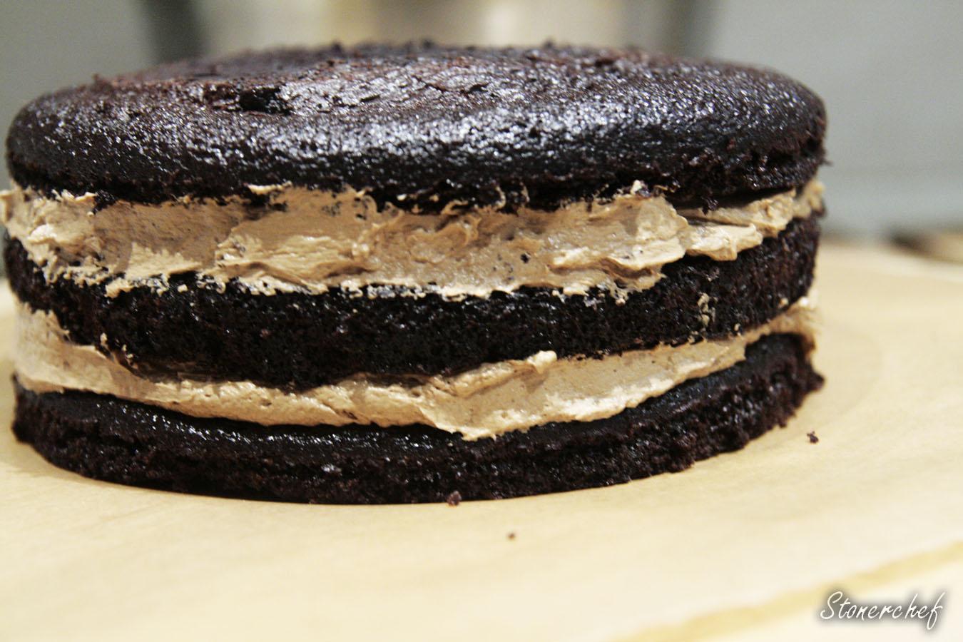 trzy warstwy tortu
