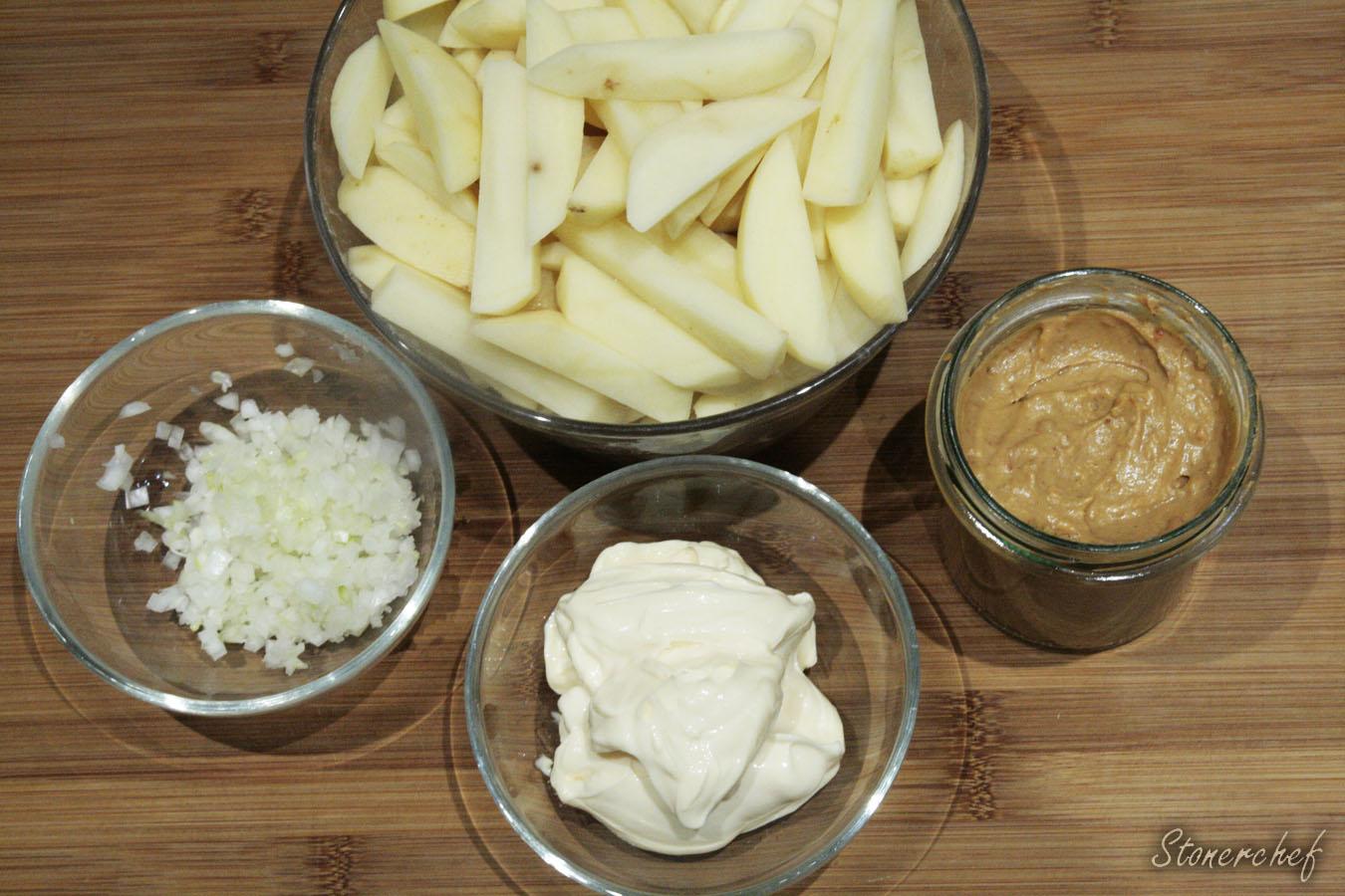 składniki na frytki z sosem orzechowym i majonezem