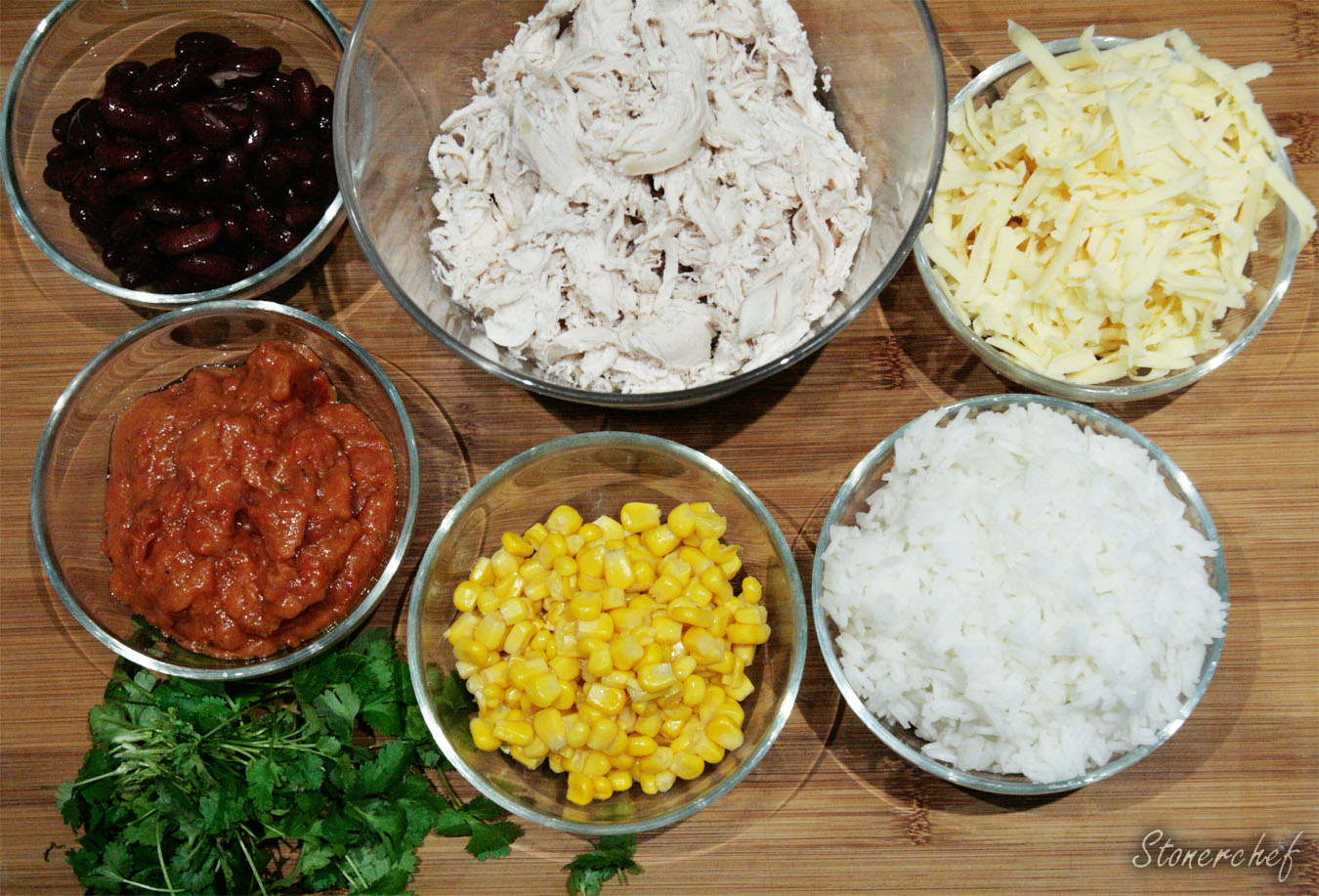 składniki na ryżową enchiladę z kurczakiem