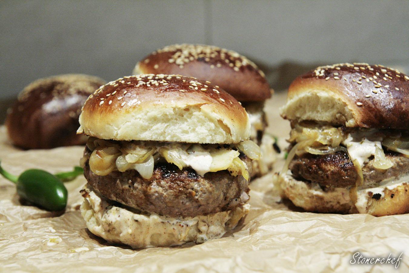 burgery faszerowane cheddarem i jalapeno