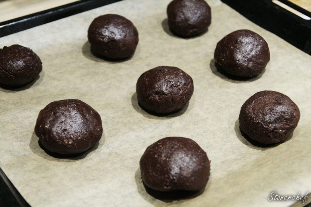 ciastka brownie przed pieczeniem