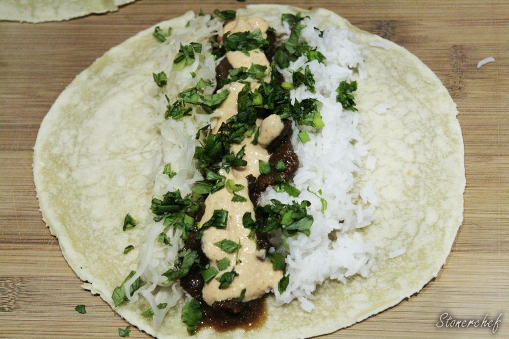 koreańskie burrito przed złożeniem