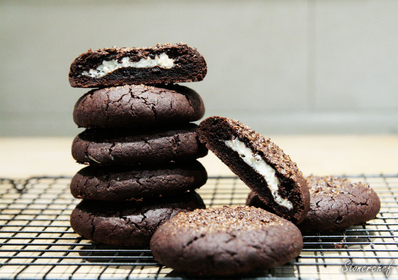 podwójnie czekoladowe ciastka z nadzieniem sernikowym