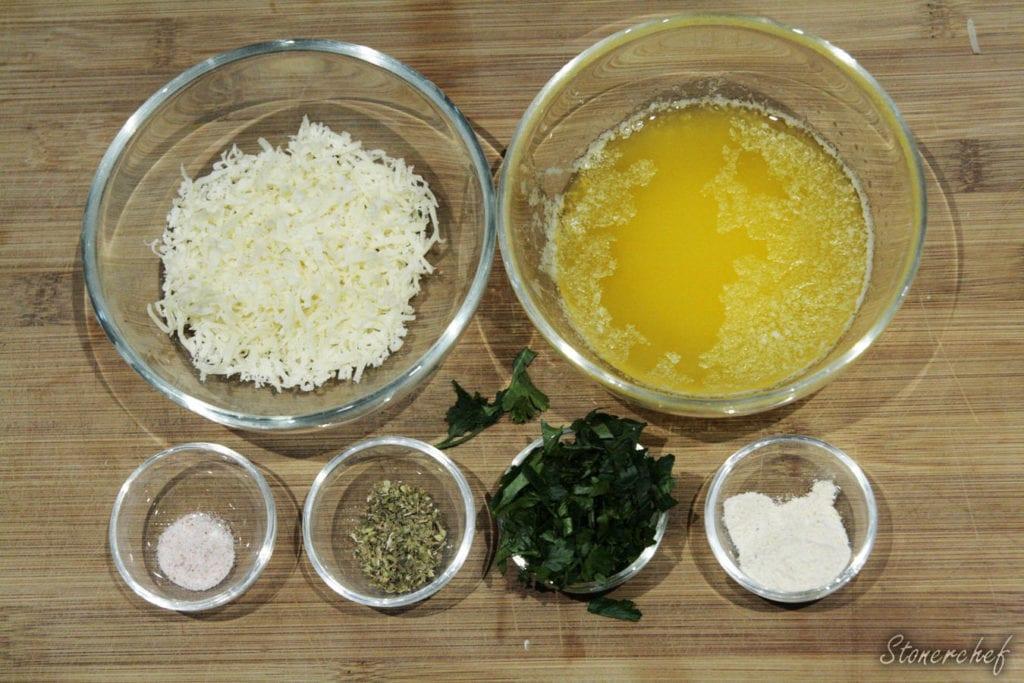 składniki na masło czosnkowe
