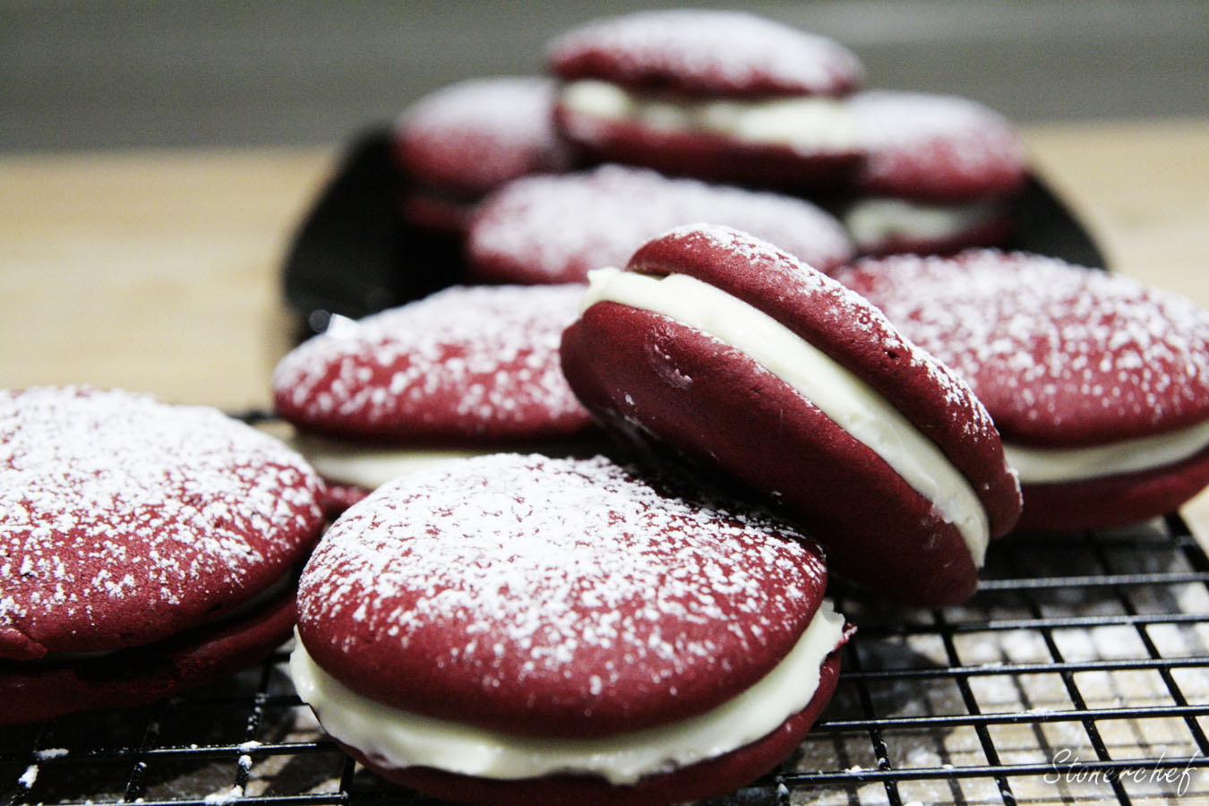 https://www.stonerchef.pl/wp-content/uploads/2017/02/duzo-ciastek-red-velvet-whoopie-pie.jpg