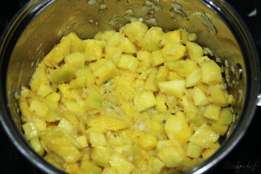 mango w garnku