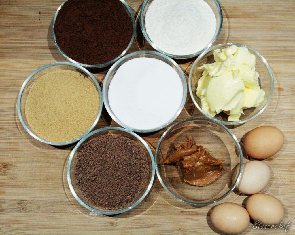 składniki na brownie z masłem orzechowym