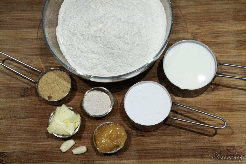 składniki na preclowe bułki