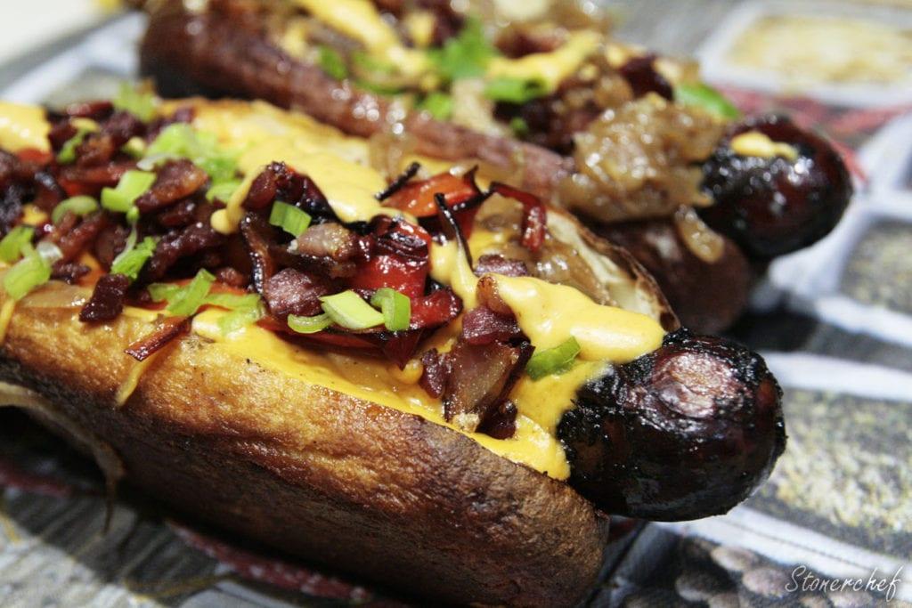 hot dogi z sosem serowo-piwnym