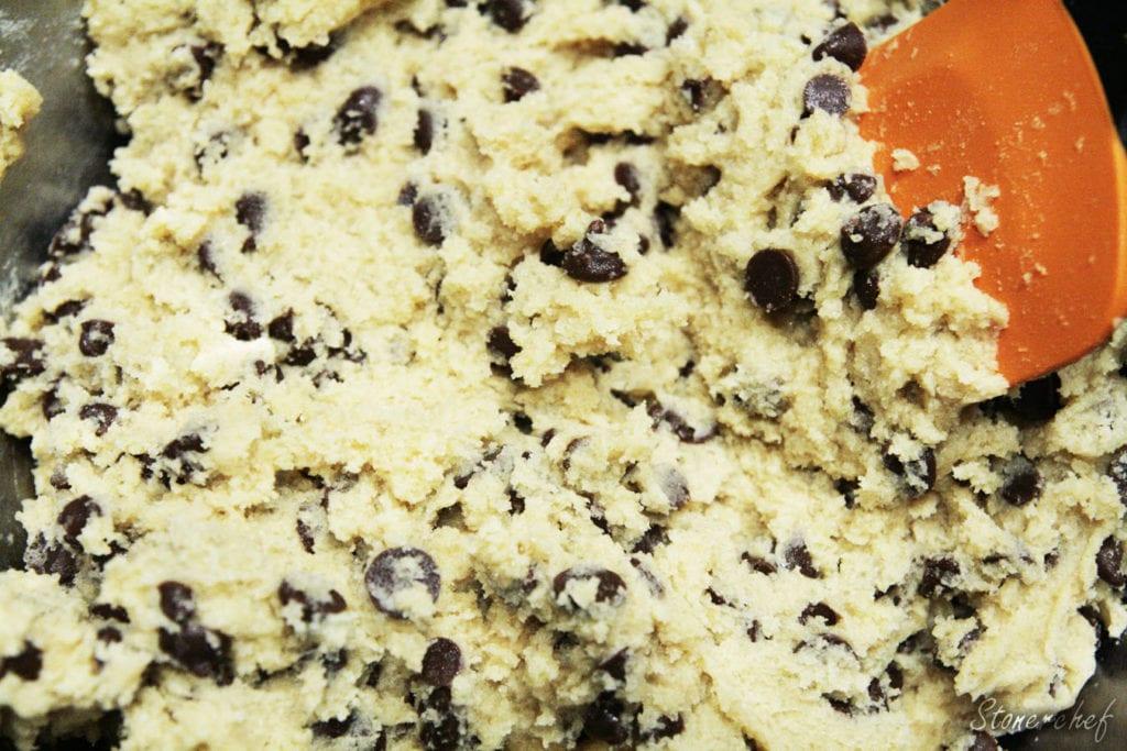 cookie dough z kropelkami czekoladowymi
