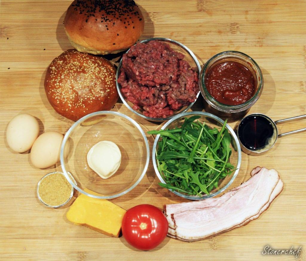 składniki na burgery z jajkiem sadzonym
