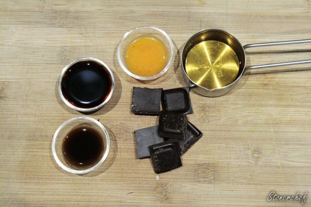 składniki na glazurę z whisky i czekolady
