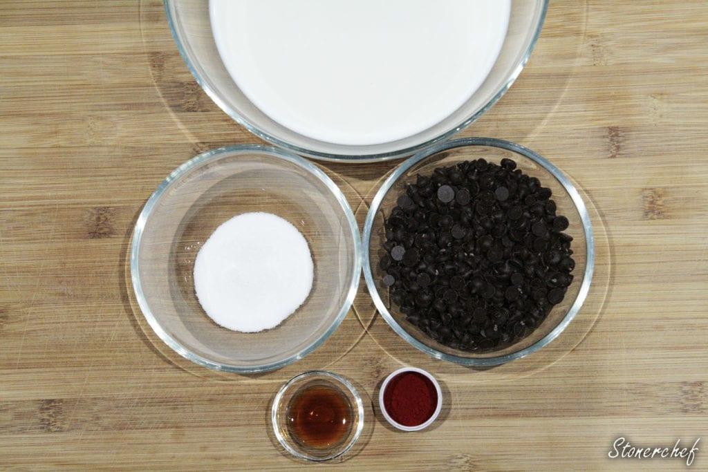 składniki na gorącą czekoladę red velvet