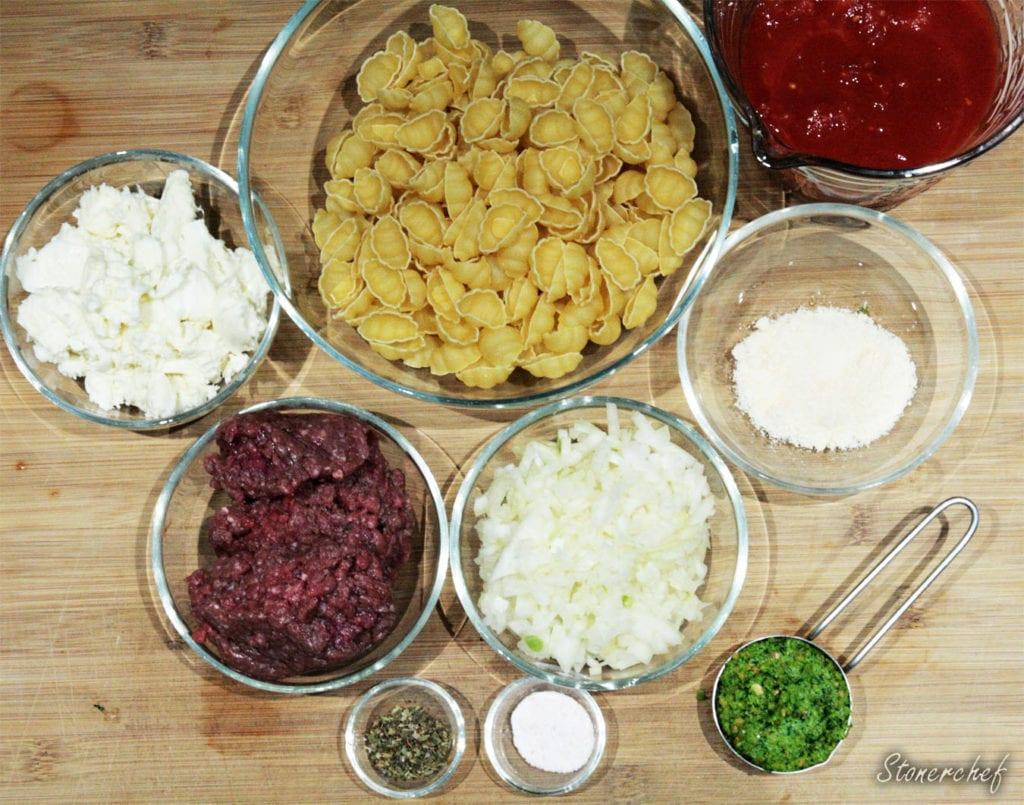 składniki na muszle makaronowe z wołowiną