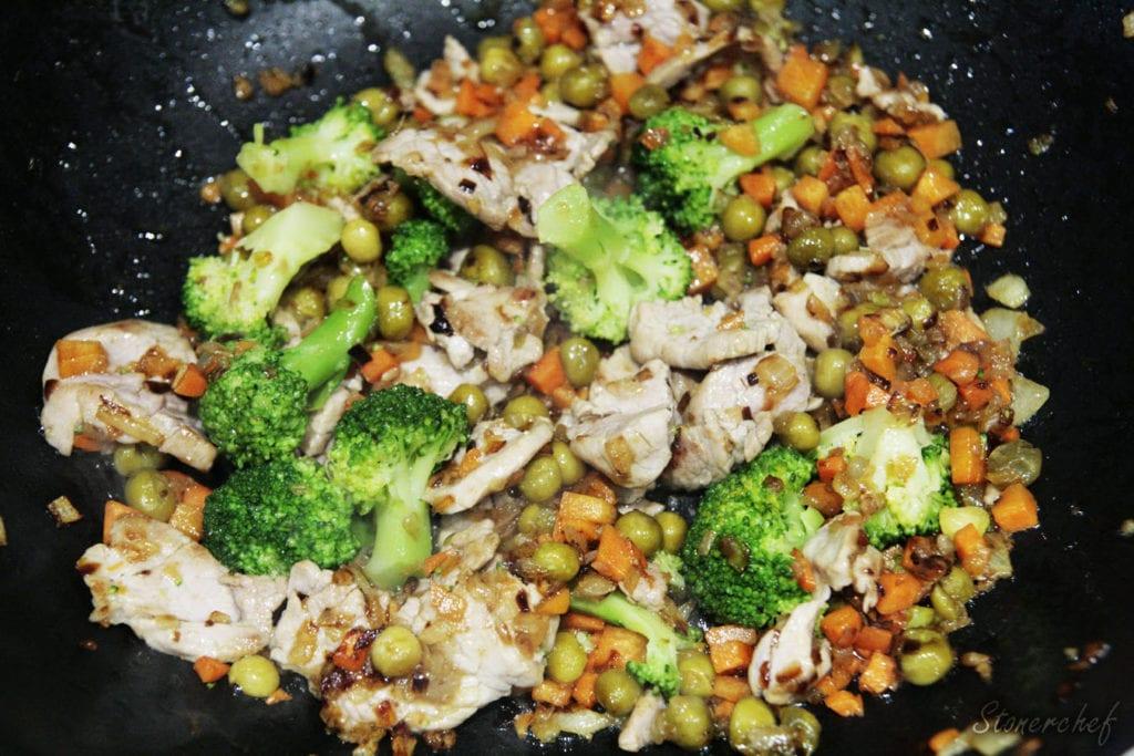 wieprzowina z warzywami w woku