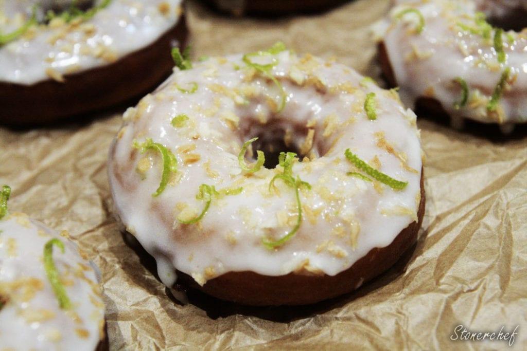 donuty z lukrem kokosowo-limonkowym