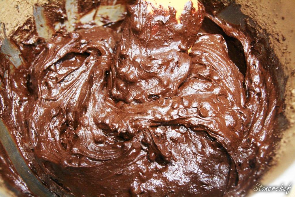 masa na brownie z kawałkami czekolady