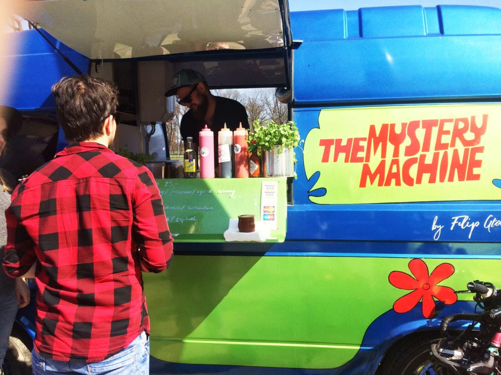 mystery machine foodtruck