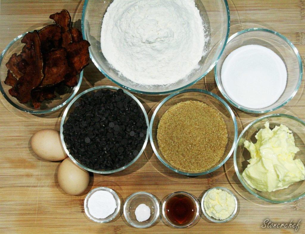 składniki na ciastka z bekonem i czekoladą