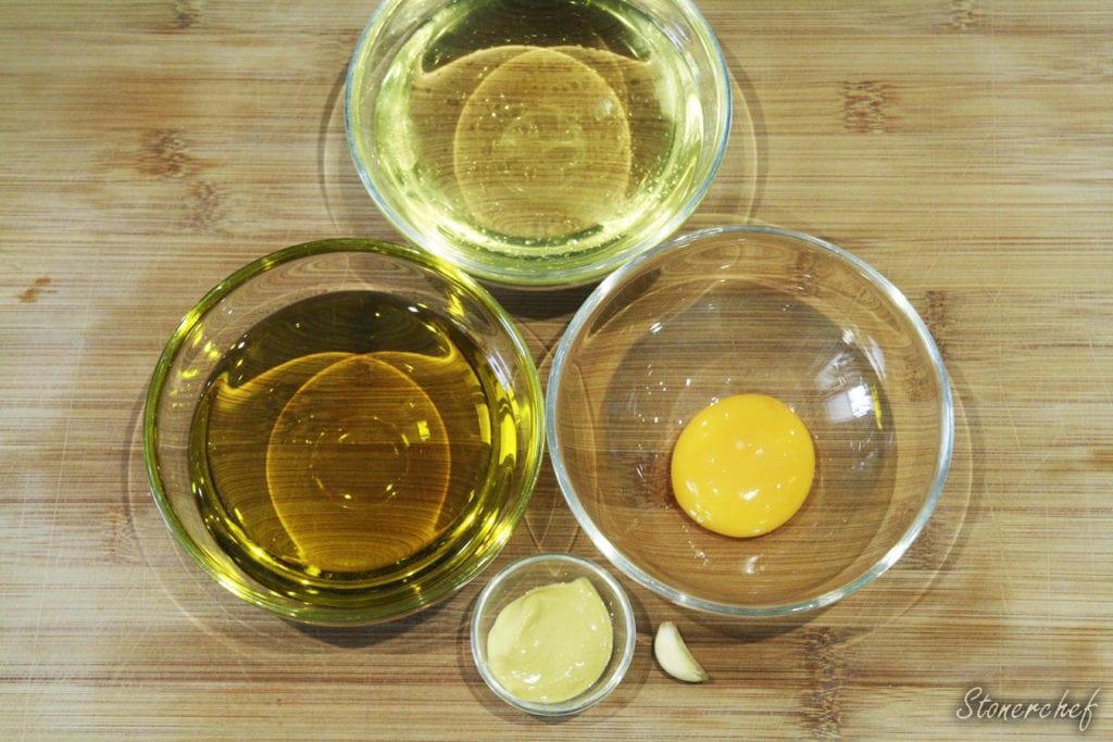 składniki na czosnkowe alioli