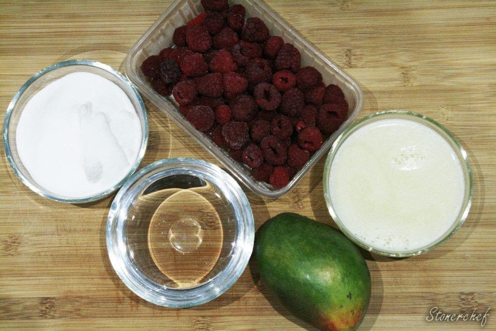 składniki na malinową lemoniadę z mango