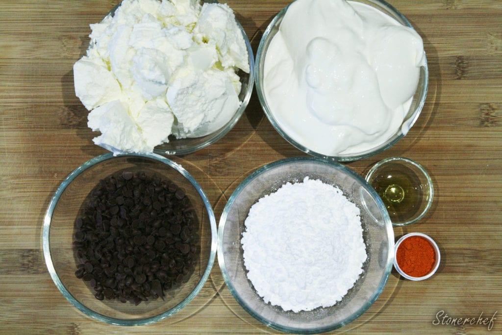 składniki na miętową masę sernikową