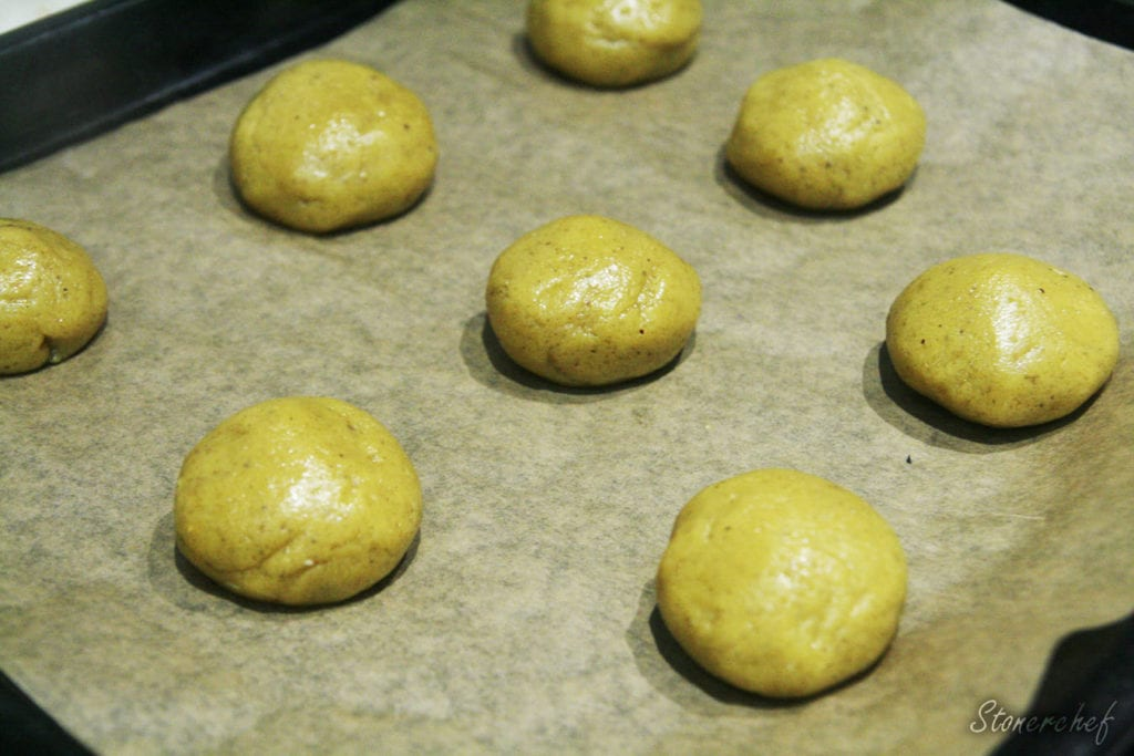 ulepione ciastka przed pieczeniem