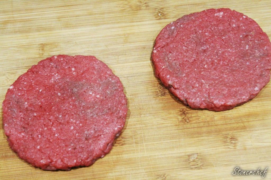 burgery przed przyprawieniem i smażeniem