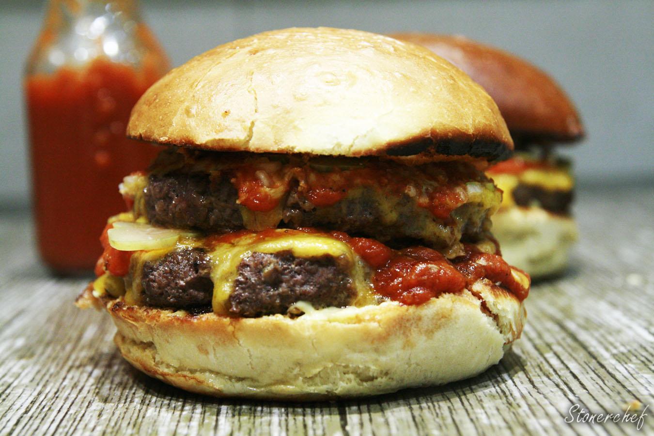 http://www.stonerchef.pl/wp-content/uploads/2017/05/podwojny-cheeseburger.jpg