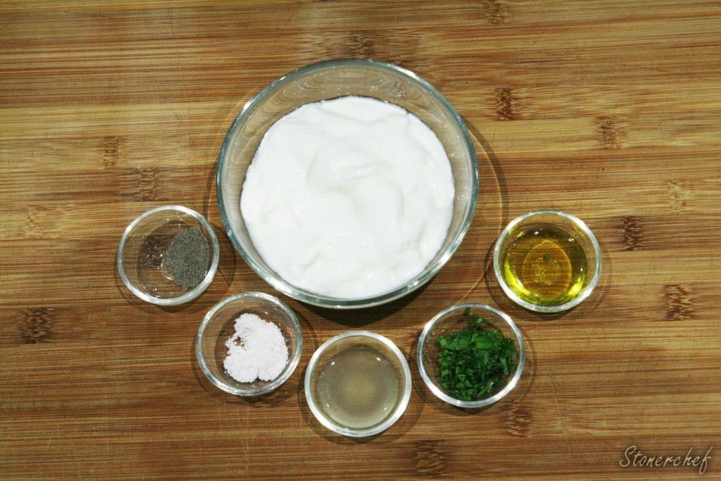 składniki na jogurt miętowy