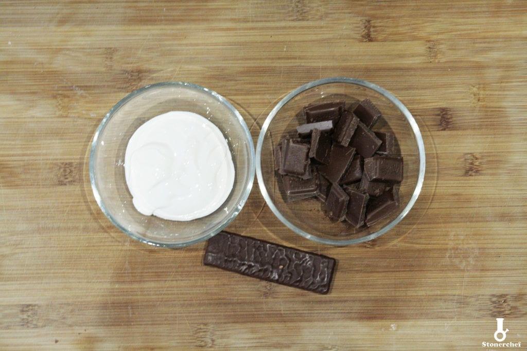 składniki na polewę bajecznego brownie