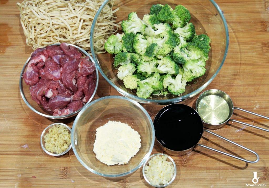 składniki na wołowinę po mongolsku z brokułami