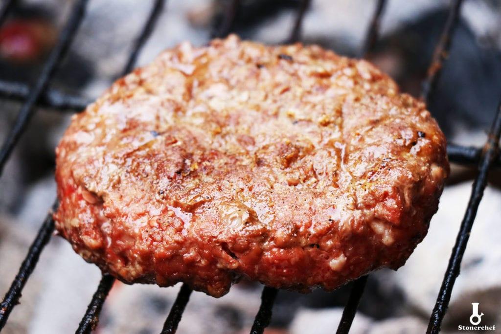 zbliżenie na zrobione mięso