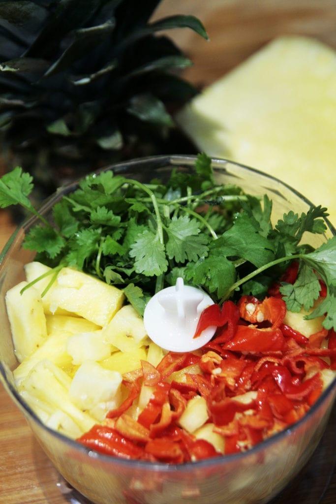 składniki na ananasowy sos habanero w malakserze