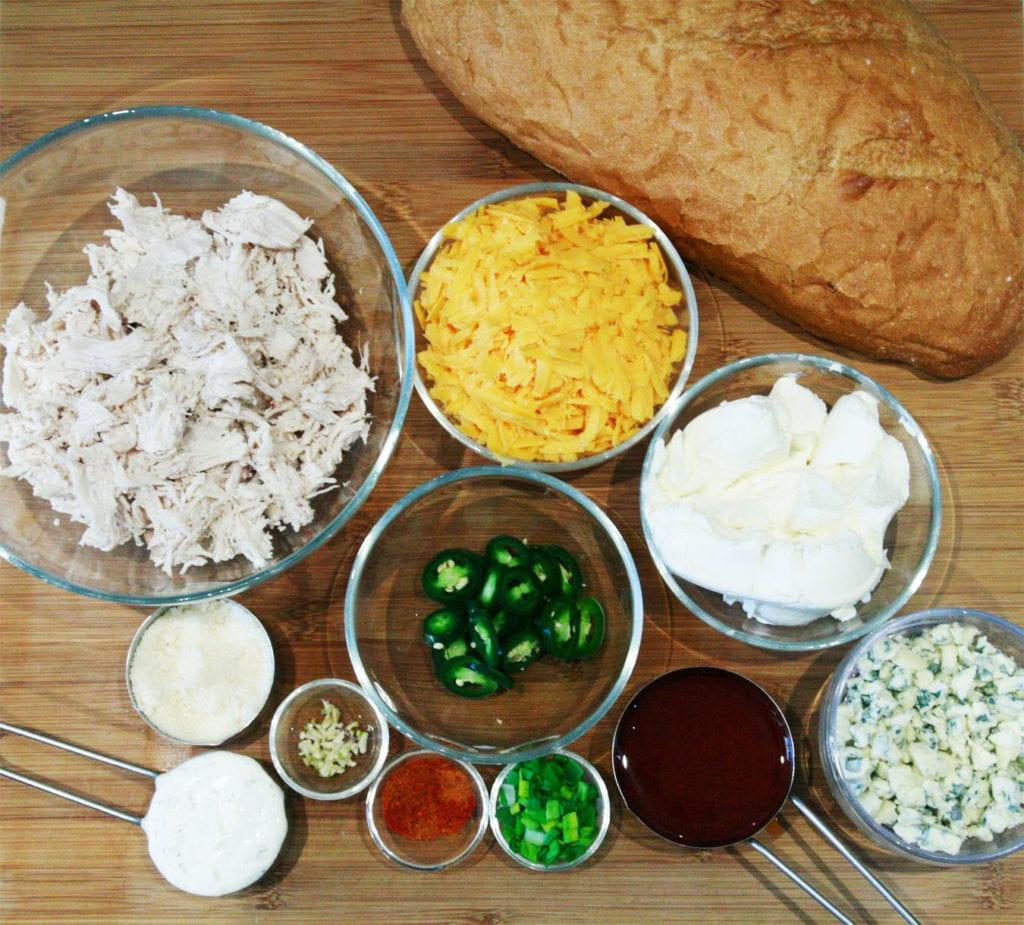 składniki na chleb z kurczakiem w sosie ranch-buffalo