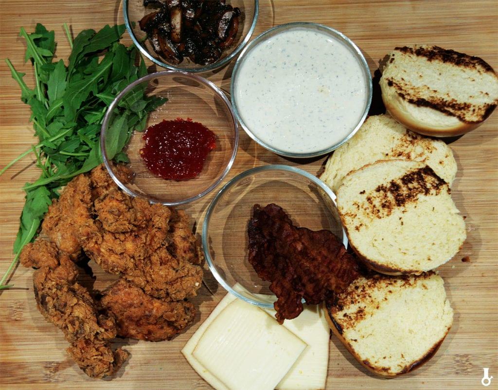składniki na kanapki ze stripsami