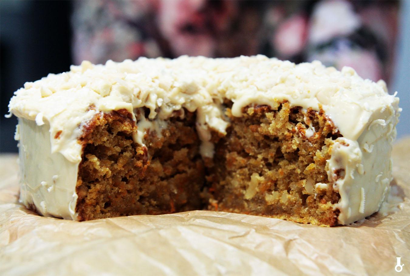 http://www.stonerchef.pl/wp-content/uploads/2017/10/ciasto-marchewkowe-z-kremem-z-karmelowej-czekolady.jpg