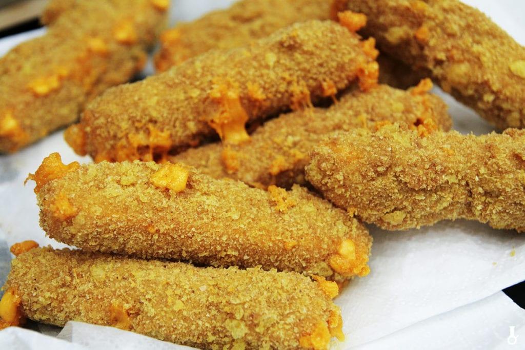 paluchy serowe w cheetosach orzechowych