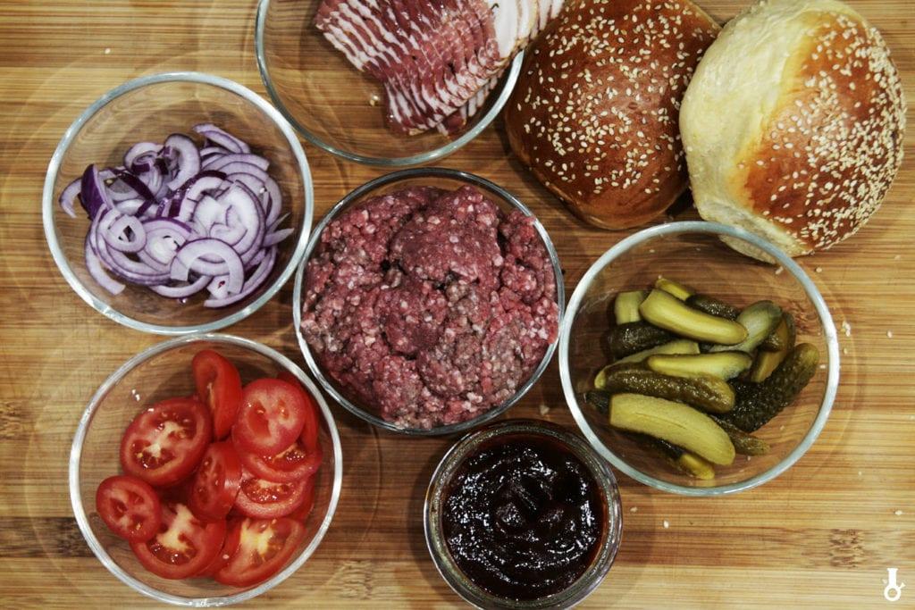 składniki na burgery bbq